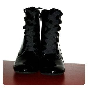Kenneth Cole reaction black corrine lace up boots